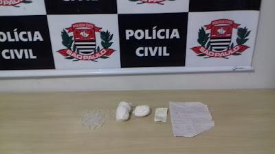 Dise de Registro-SP  prende uma traficante com drogas dentro de ônibus na br 116