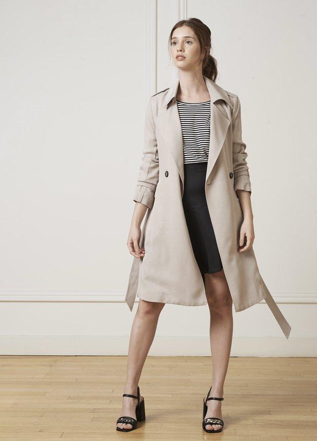 Moda mujer verano 2020 ropa clásica urbana.