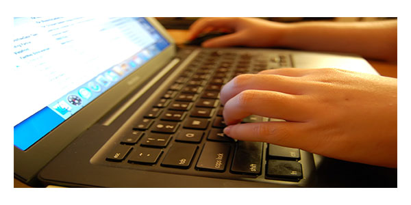 Universities now offer their courses on the Internet (IELTS Writing Task 2)