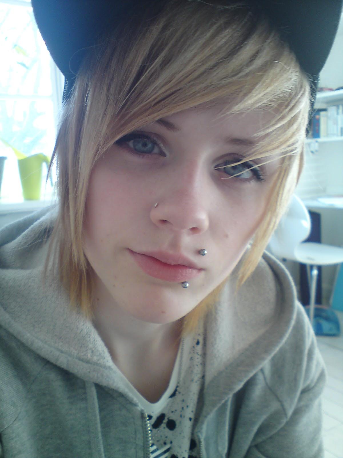 tomboy online dating)