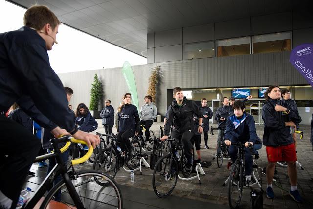 Ciclismo, datos y mucha diversión en el Día Internacional del Voluntario Telefónica
