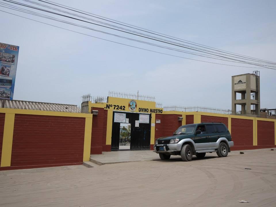 Escuela 7242 DIVINO MAESTRO - Villa El Salvador