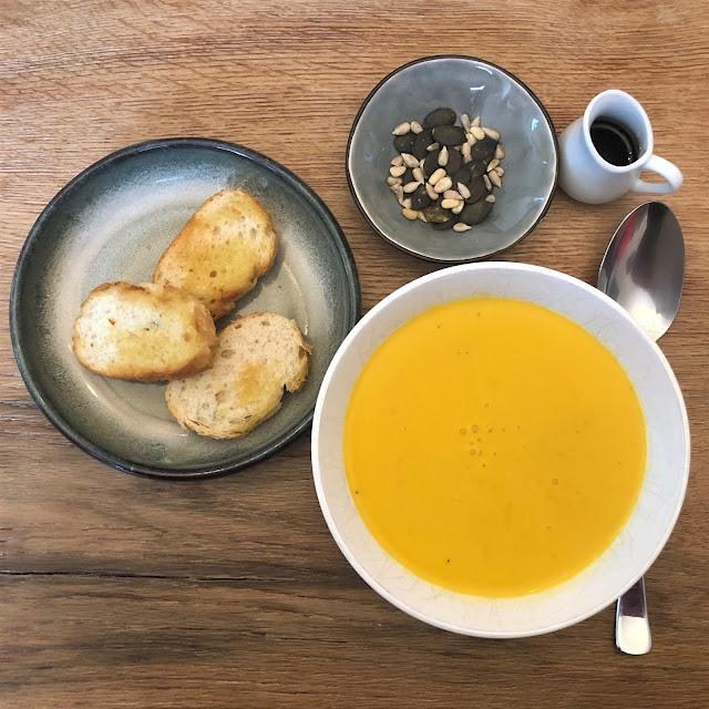 crema de calabaza con lentejas rojas, vegan, Herbstsuppe,
