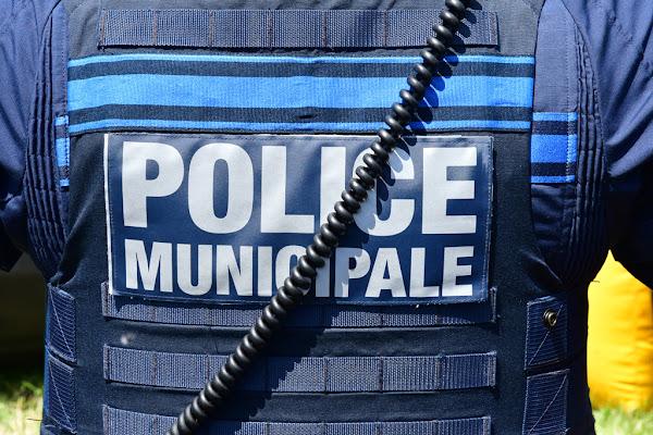 Métropole de Lyon : Un père et sa fille violemment agressés par deux mineurs en situation irrégulière