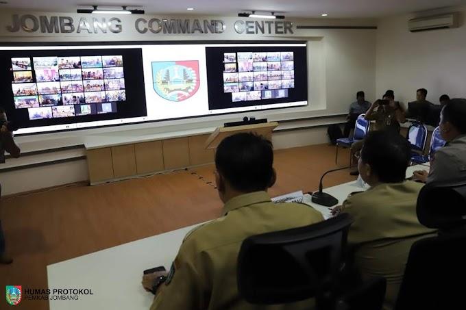 Bupati Jombang, Hj. Mundjidah Wahab Rapat Koordinasi Melalui Telekonferensi