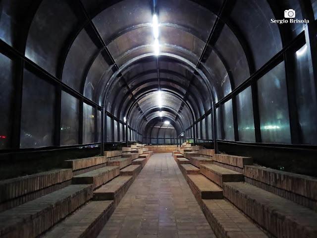 Vista do interior do Túnel de acesso do Teatro Franco Zampari - Bom Retiro