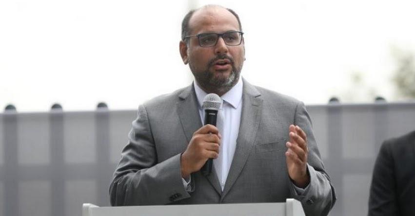 Daniel Alfaro debería continuar como Ministro de Educación, sostuvo el educador León Trahtemberg 