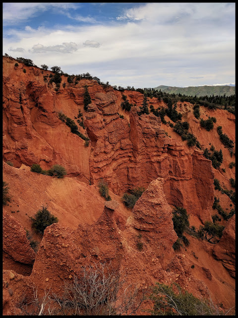 Cool Columns and Hoodoos in Devil's Kitchen Utah