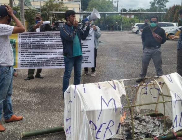 Bawa Keranda Mayat, Aliansi Pecinta Keadilan dan Kebenaran Gerudug DPRD Sarolangun