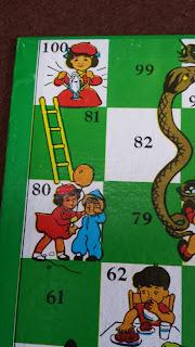 蛇と梯子 (ヘビとハシゴのマス)