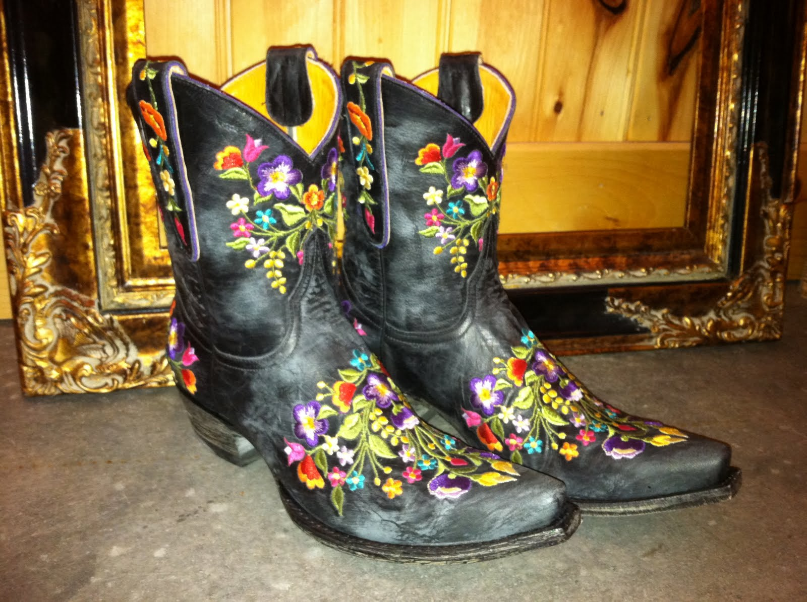 36ecc8272bf Country Roots, City Style: Old Gringo Sora Black Cowgirl Boots