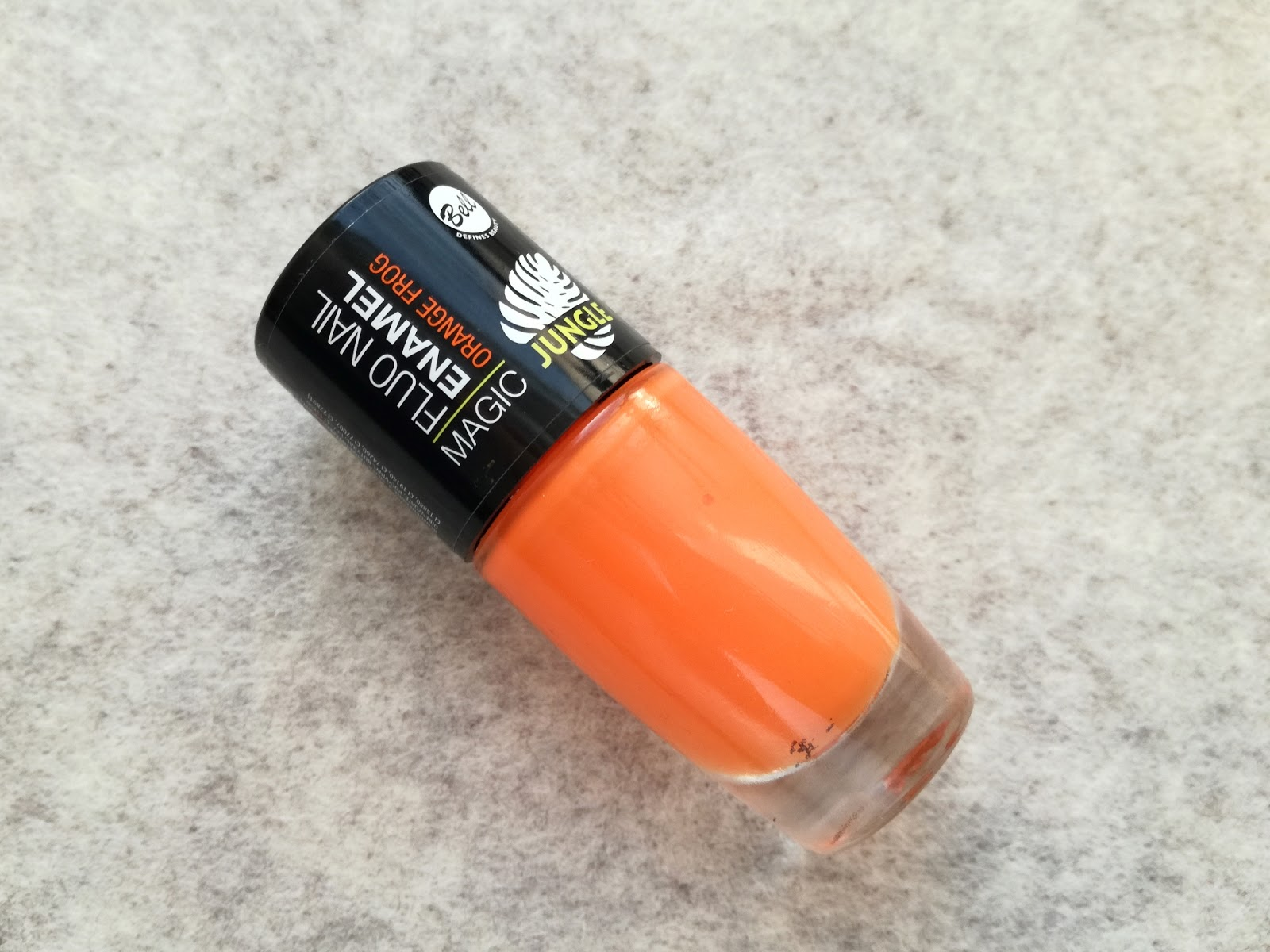 pomarańczowy lakier Bell