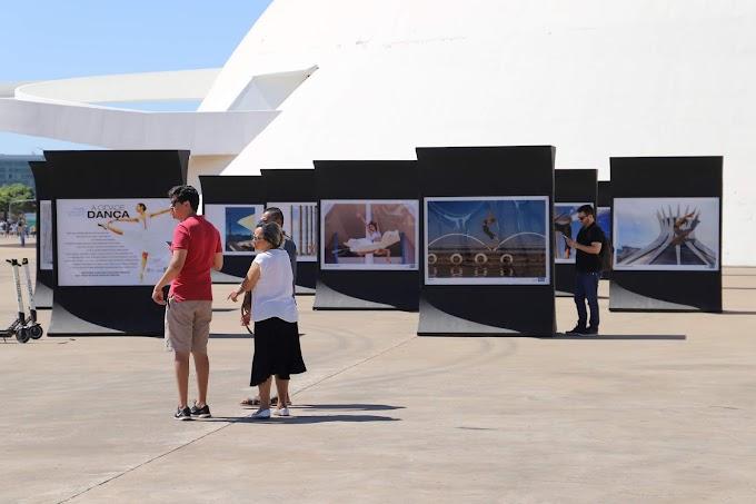 Arte: Exposição fotográfica enaltece monumentos de Brasília por meio da dança