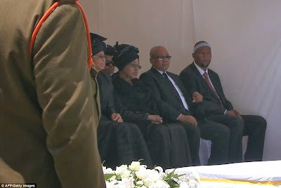 article 2523695 1A1E821600000578 148 964x646 Photos from Nelson Mandelas funeral