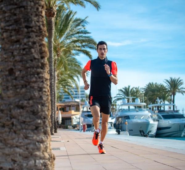 Como preparar a época e melhorar a sua técnica de triatlo, de acordo com Mario Mola