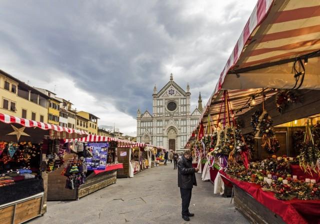 mercatini-di-natale-firenze-piazza-santa-croce-poracci-in-viaggio