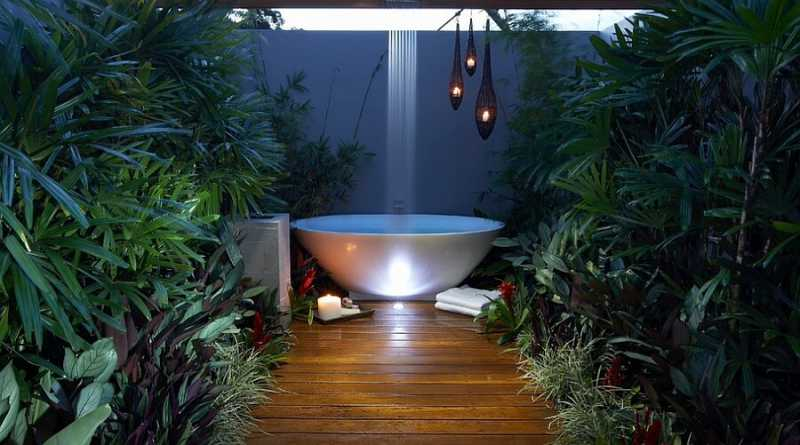 Outdoor Bathroom Designs | Design Ideas