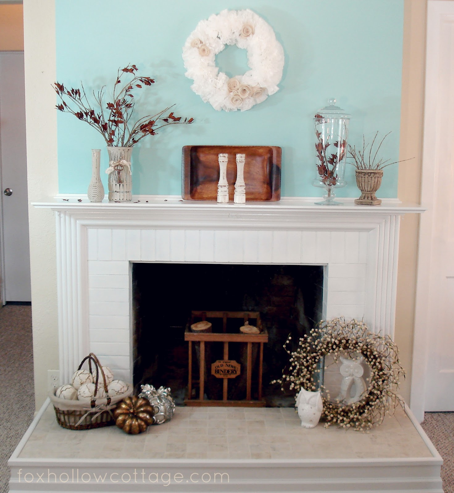 Fireplace Decorating Ideas Photos: My {little Bit Of} Fall Mantel