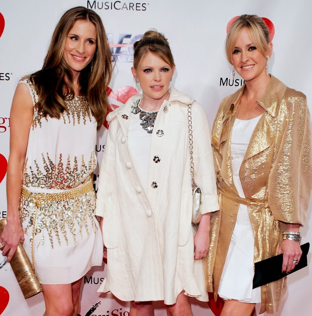 dixie chick boycott Stations boycott dixie chicks over remark - mon mar 17, 5:26 am et by the associated press dallas - natalie maines (news), lead singer of the dixie chicks (news - web.