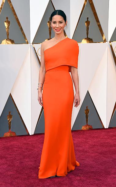 Top 5 das mais vestidas  Óscares Olivia Munn vestida por Stella Mccartney