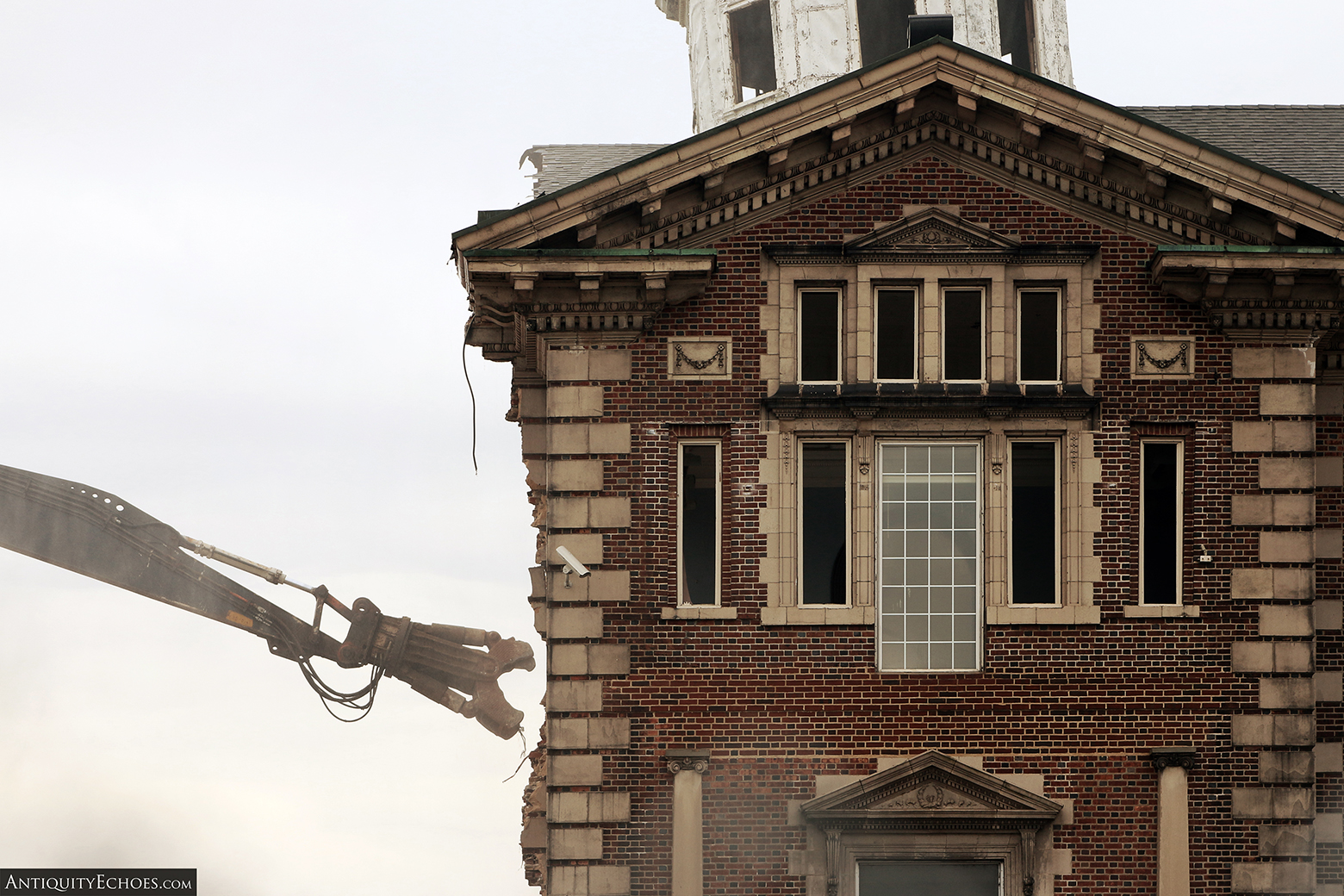 Allentown State Hospital - Demolition - The Spire Begins to Fall