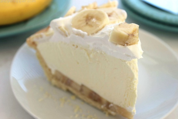 EASY BANANA CREAM PIE #cookies #bars #dessert #pie #banana