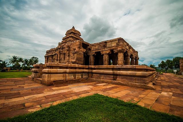 भारत के 12 ज्योतिर्लिंगों के बारे में जाने