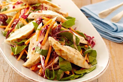 Grilled chicken salad with Italian dressing
