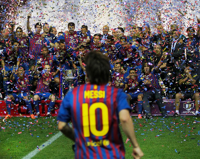 Barcelona legends and Lionel Messi celebrating champions league win