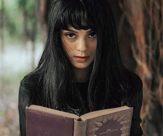 Jasmine Noor Bawa Buku
