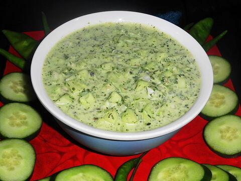 Cucumbur_raita_recipe_at_home