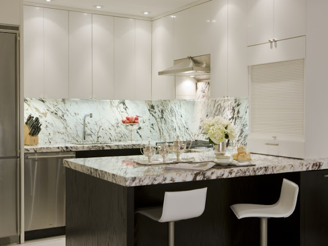 Photo of marble on top of kitchen island