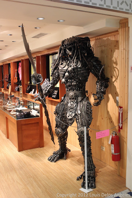 LIfesize replica of Predator on display in Micronesia Mall