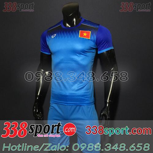 Áo bóng đá màu xanh dương
