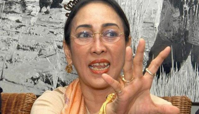 Puisi Sukmawati Soekarno Putri