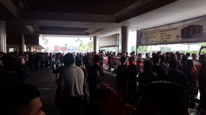 Bandara Didemo! Pemuda Muhammadiyah: Bandara Area Steril, Kok Bisa Perusuh Masuk?