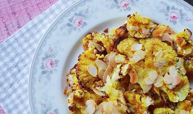 Cavolfiore al forno con senape e mandorle