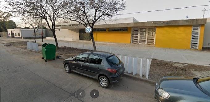 """Robaron reflectores del Jardin de Infantes """"Soles del Paraná"""" y quedaron libres"""