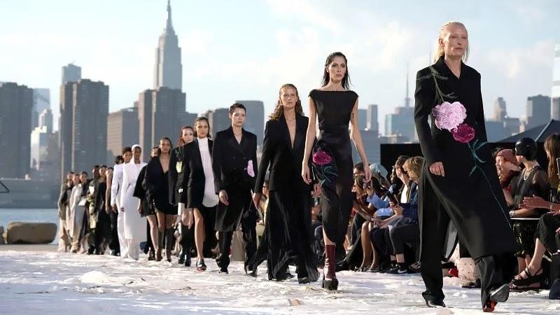 fashion week berlin 2021 fashion designer fashion chingu fashion nova