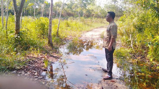 Setelah Dilantik Menjadi Kades, Misran Rajin Turun ke Lapangan Untuk Menyusun Kegiatan Pembangunan