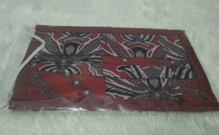masker kain 2 lapis batik merah