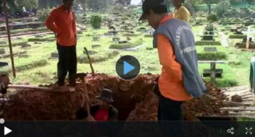 Kisah Nyata: Jenazah Seorang Gadis yang Ditiduri Penggali Kubur. Simayit Dikubur Dalam Junub!