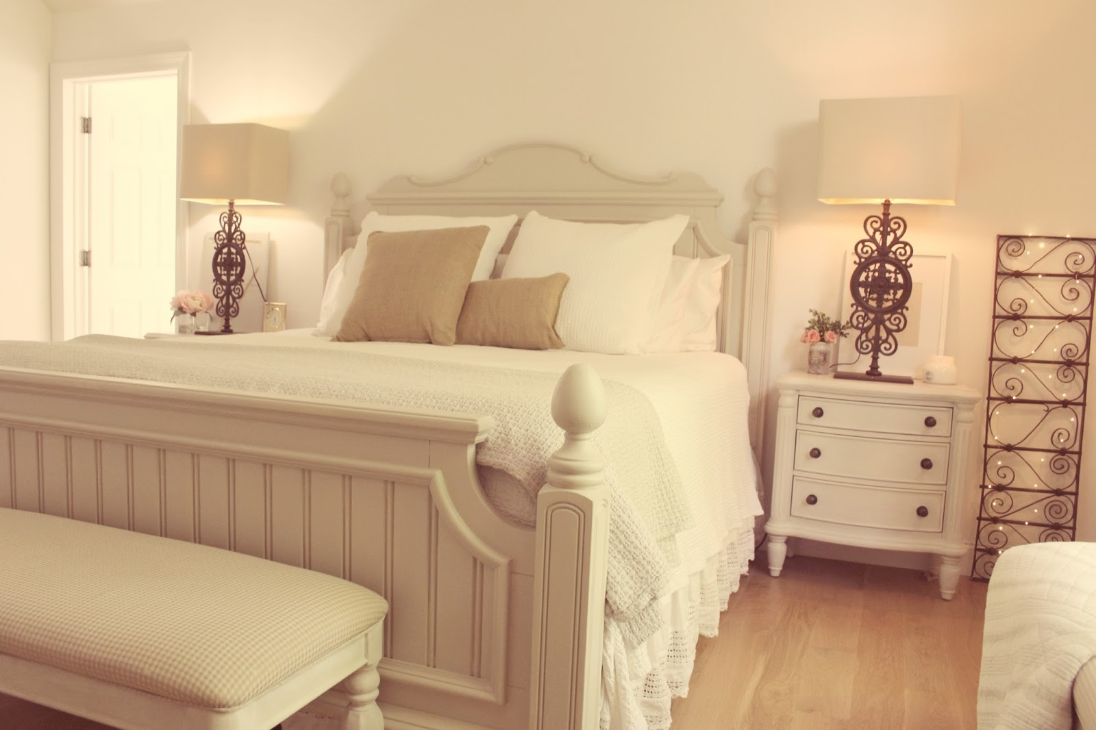 hello-lovely-fixer-bedroom-farmhouse-feminine-romantic-cottage-reno-bed