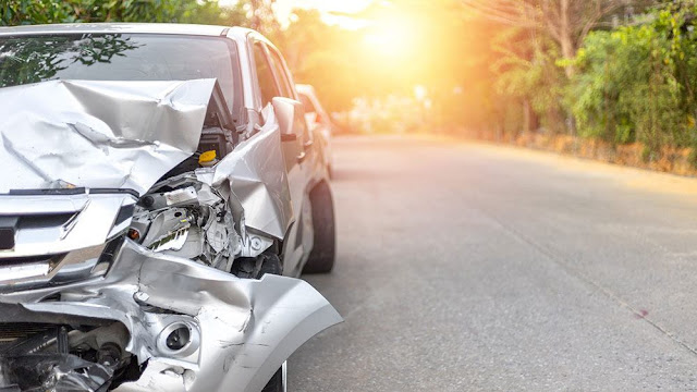 How do you know who is at fault in a car accident?