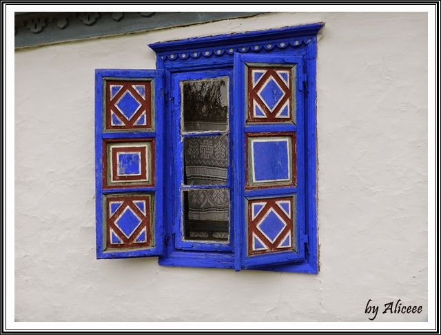 muzeul-satului-bucuresti-albastru