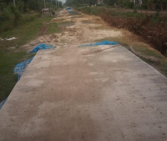 Diduga Bermasalah, Pekerjaan Rigid Beton DD  Pangkalmas Mulya Terbengkalai