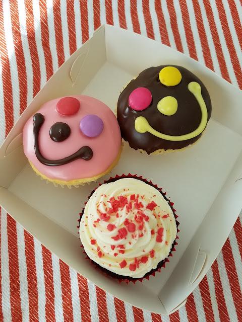 Muddings Bakery, Glen Waverley, smiley face cupcakes, red velvet cupcake