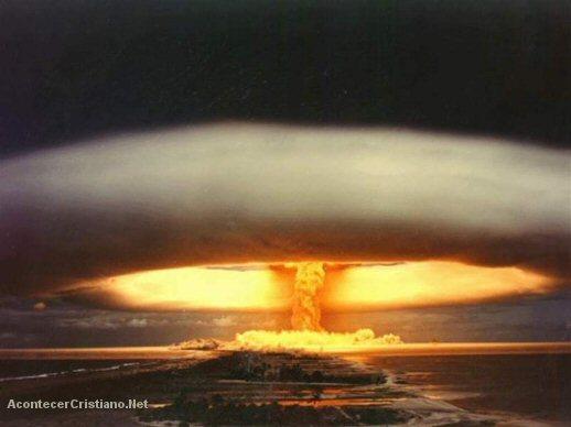Exploción de bomba nuclear