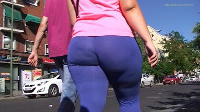 Mujeres sabrosas caderonas leggins calle
