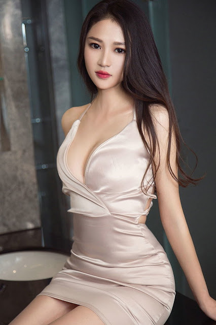 Hot and sexy photos of beautiful busty asian hottie chick Chinese babe model Zhang Ke Ke photo highlights on Pinays Finest Sexy Nude Photo Collection site.